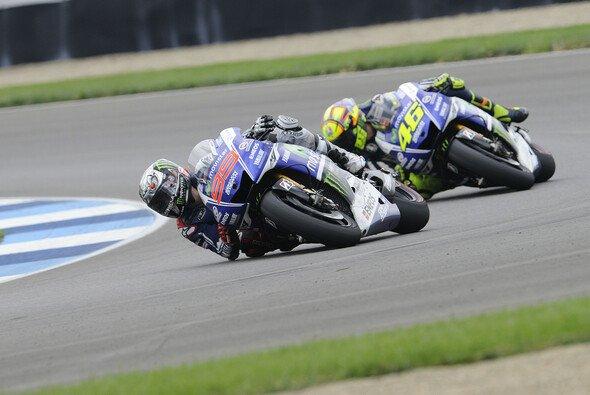 Im Vorjahr besiegte Jorge Lorenzo Valentino Rossi in Indy - Foto: Bridgestone
