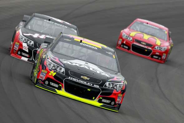 Jeff Gordon siegt in Michigan vor Kevin Harvick - Foto: NASCAR