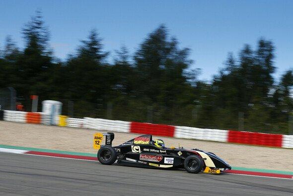 Schweres Wochenende in der Eifel für Dennis Marschall - Foto: ADAC Formel Masters