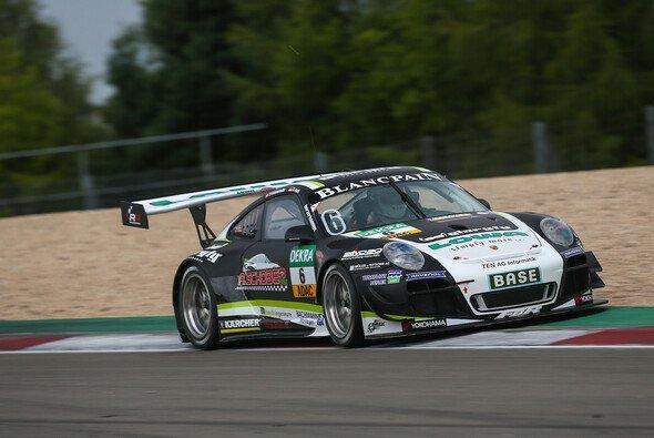 Das neue Design des Wagens brachte in der Eifel kein Glück - Foto: CMV Sportmedia