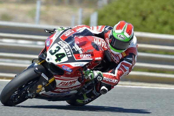 Davide Giugliano kämpfte mit dem Grip, fühlte sich grundsätzlich aber gut - Foto: Ducati Superbike Team
