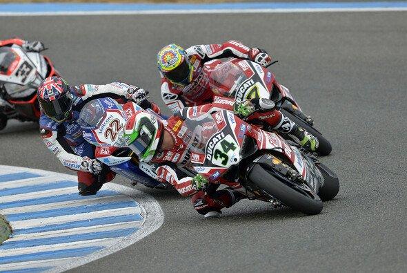 Davide Giugliano angelte sich zum Auftakt die Spitze - Foto: Ducati Superbike Team