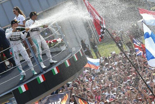 Werden die F1-Helden bald nicht mehr in Monza feiern? - Foto: Mercedes AMG