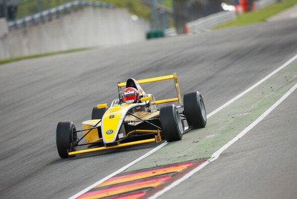 Mikkel Jensen steht kurz vor dem Meisterschaftsgewinn - Foto: ADAC Formel Masters