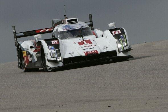 Ralf Jüttner lobt die Leistungen von Fahrern und Team - Foto: Audi