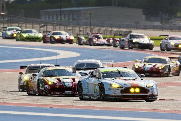 Stefan Mücke ging in einem Vantage V8 GTE an den Start - Foto: Aston Martin Racing/Drew Gisbson