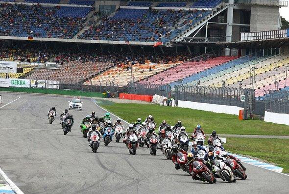 In Hockenheim findet auch 2015 das große Saisonfinale statt - Foto: Superbike*IDM/Schneider
