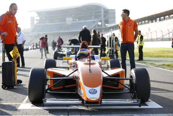 Maximilian Günther sicherte sich wie bereits 2013 die Vizemeisterschaft im ADAC Formel Masters - Foto: ADAC Formel Masters