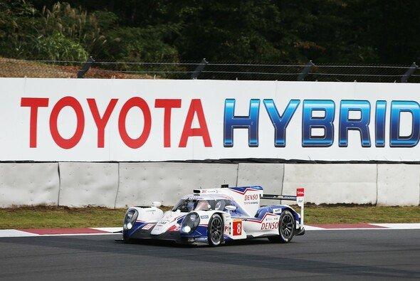 Der siegreiche Toyota TS040 Hybrid auf dem Fuji International Speedway - Foto: Toyota