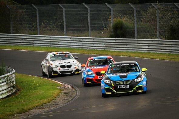 Der BMW M235i Racing Cup sorgte in diesem Jahr für Aufsehen - Foto: Patrick Funk
