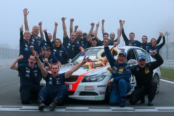 Das Team Derscheid ist neuer Champion in der VLN - Foto: Jan Brucke/VLN