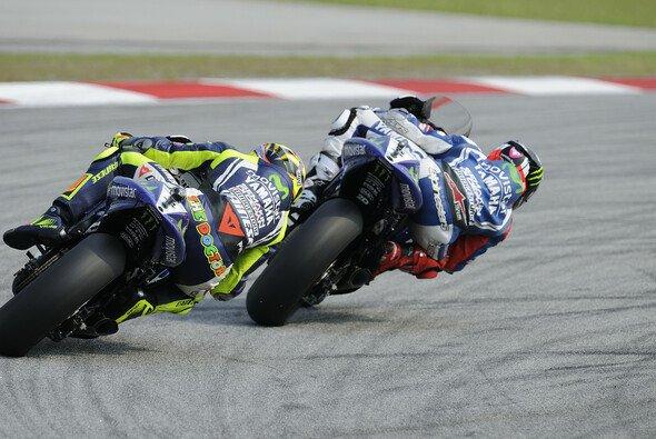 Rossi und Lorenzo - fällt in Sepang eine Vorentscheidung? - Foto: Bridgestone
