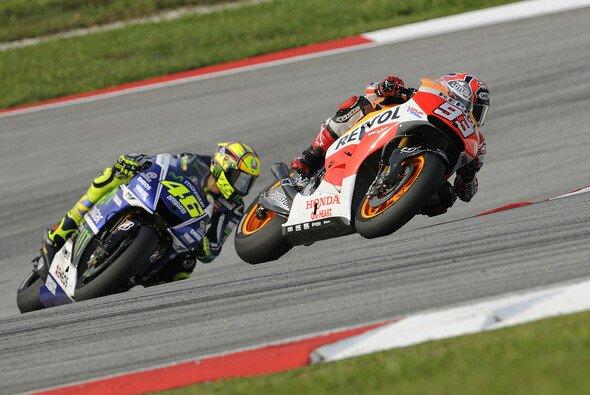 Rossi und Marquez kämpften mit allen Mitteln - Foto: Bridgestone