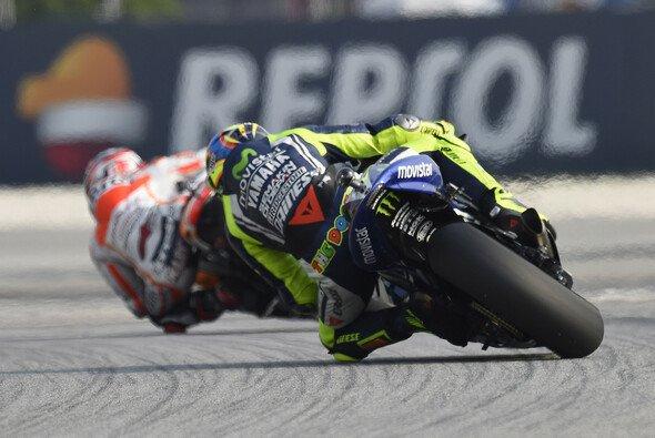 Valentino Rossi weiß, dass zwölf Punkte nur ein geringer Vorsprung sind - Foto: Milagro