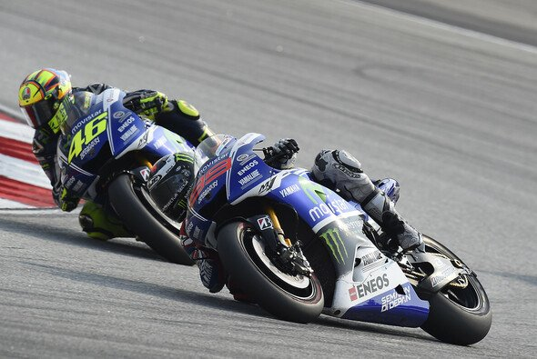 In der Zeitenliste kamen sich Rossi und Lorenzo am Freitag nie nahe - Foto: Milagro