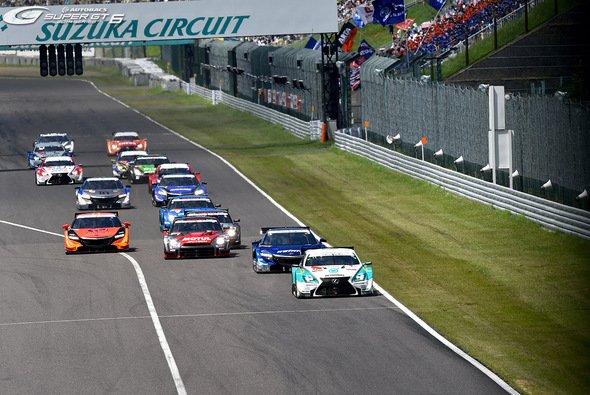 Für die Super GT steht das zweite Jahr des neuen Reglements an - Foto: Super GT