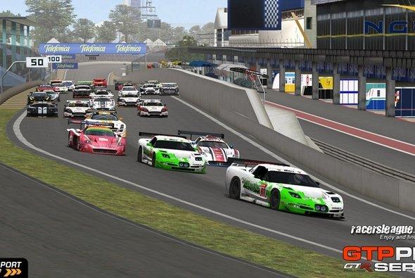Beim vorletzten Rennen wird es im brasilianischen Sommer richtig heiß - Foto: Racersleague