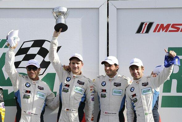 Auf dem Podium feierten die Piloten des BMW Team RLL - Foto: BMW