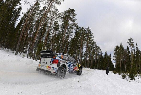 Andreas Mikkelsen ist der lachende Dritte - Foto: Volkswagen Motorsport