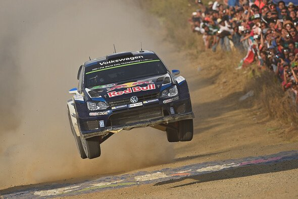 Sebastien Ogier feiert seinen dritten Saisonsieg - Foto: Volkswagen Motorsport