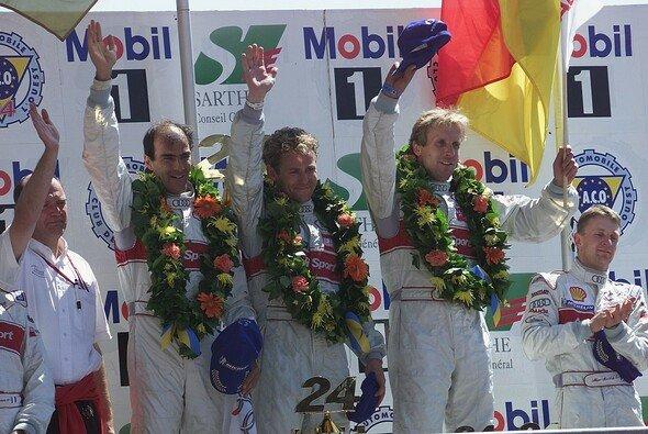 Le Mans 2000: Audi-Gesamtsieger Emanuele Pirro, Tom Kristensen und Frank Biela - Foto: Audi