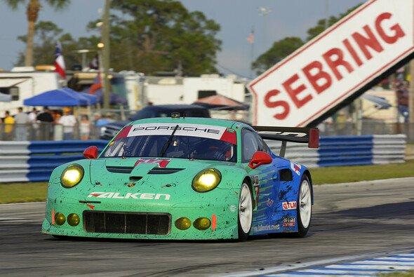 Bryan Sellers, Wolf Henzler und Patrick Long belegten Platz drei in der GTLM-Klasse - Foto: Porsche
