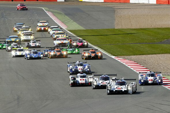 In Silverstone beginnt die neue WEC-Saison - Foto: Porsche