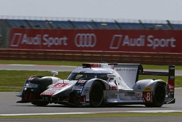 Schnell unterwegs: Der Audi R18 e-tron quattro war schon mit viel Abtrieb eine Rakete - Foto: Audi
