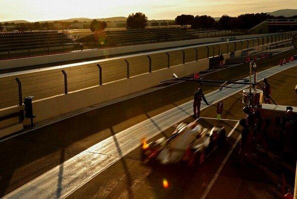 Ausgedehnter Betrieb: Audi und Porsche überlassen bei den Le-Mans-Vorbereitungen nichts dem Zufall - Foto: Audi