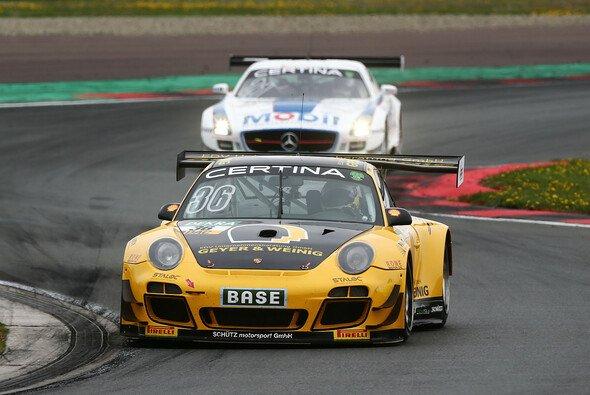 Porsche startet mit Sieg in die Saison - Foto: ADAC GT Masters