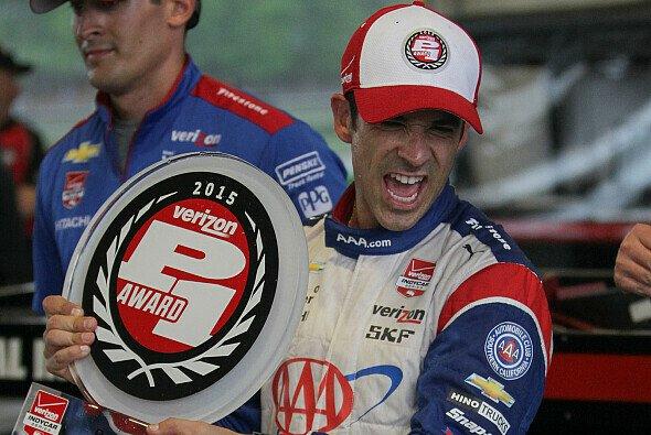 Helio Castroneves sicherte sich den Pole Award in Alabama - Foto: IndyCar