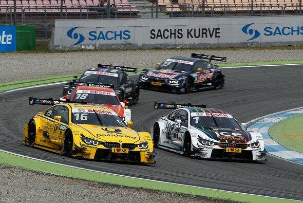 Timo Glockkämpfte sich Platz um Platz nach vorne - Foto: BMW AG
