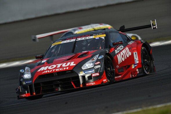 Ließen Toyota beim Heimspiel keine Chance: Tsugio Matsuda und Ronnie Quintarelli - Foto: Super GT