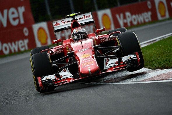 Kimi Räikkönen drehte sich zweimal aus gleichem Grund - Foto: Ferrari