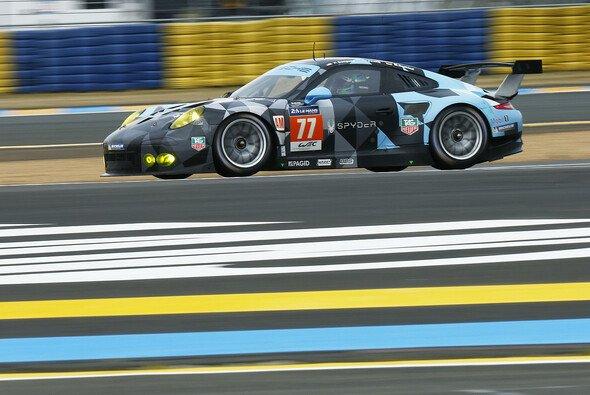 Der Porsche 911 RSR mit Patrick Dempsey, Patrick Long und Marco Seefried als Piloten. - Foto: Porsche