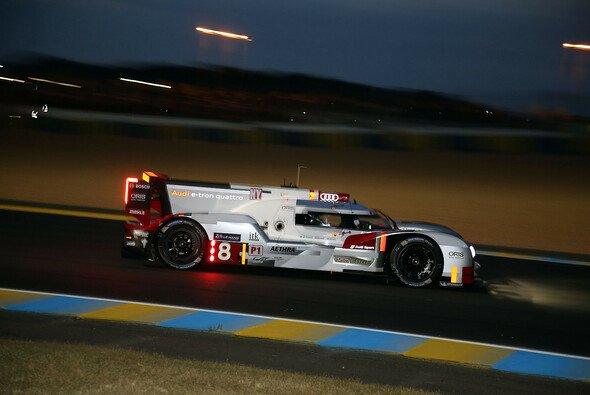 Der Audi R18 e-tron quattro absolvierte im ersten Trainingstag die meisten Runden - Foto: Speedpictures