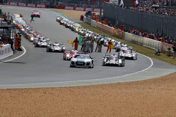 2016 umfasst das Grid in Le Mans 60 Autos - Foto: Speedpictures