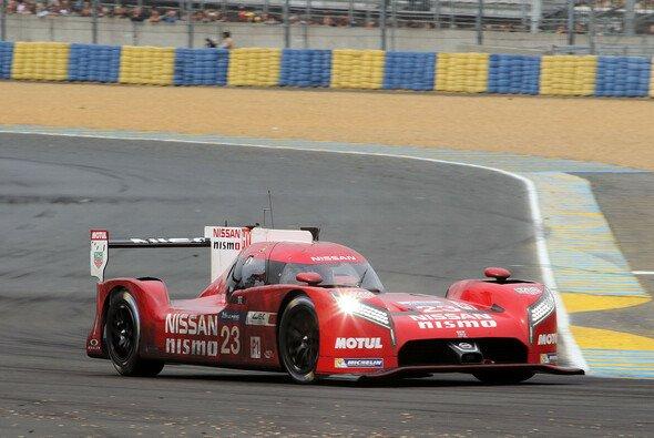 Schonfrist abgelaufen? Der Nissan-Vorstand ist von der Performance des GT-R wenig angetan - Foto: Speedpictures