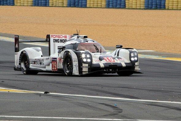 Porsche ist eine Institution in Le Mans - Foto: Speedpictures