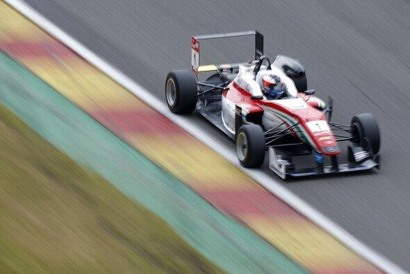 Der Schweder holte sich die achte Pole in Spa - Foto: FIA F3
