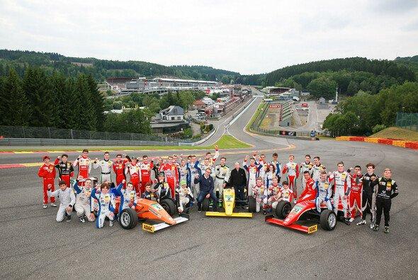 FIA-Präsident Jean Todt besucht die ADAC Formel 4 - Foto: ADAC Formel 4