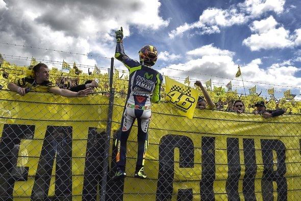 Eine Valentino-Rossi-Kurve soll es in absehbarer Zeit nicht geben - Foto: Yamaha