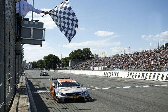 Der Norisring ist Mercedes-Land: Robert Wickens siegte am Rennsonntag - Foto: Mercedes-Benz