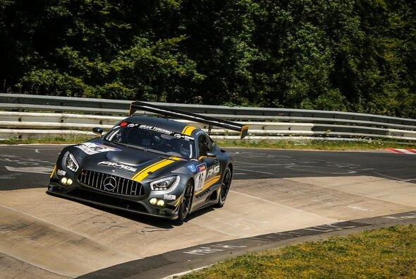 Der neue Mercedes-AMG GT3 fühlt sich auf der Nordschleife wohl - Foto: Patrick Funk