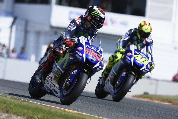 Bleibt das Verhältnis zwischen Rossi und Lorenzo weiterhin gut? - Foto: Yamaha