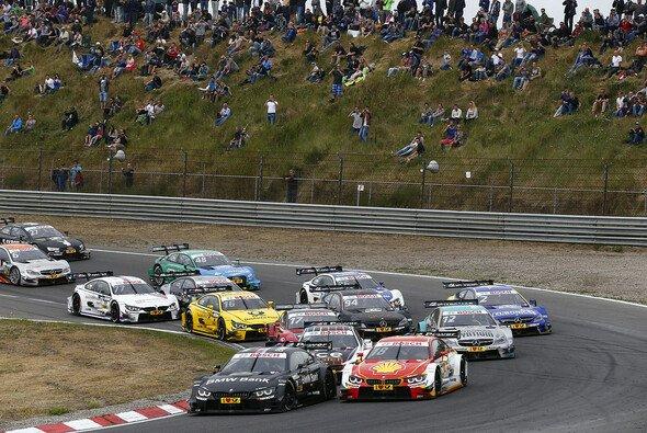 Das DTM-Rennen in Zandvoort bot viele Duelle und Kontakte - Foto: DTM