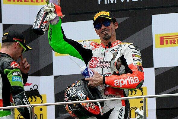 Mit 44 Jahren bestritt Max Biaggi sein letztes Superbike-Rennen für Aprilia - Foto: Aprilia