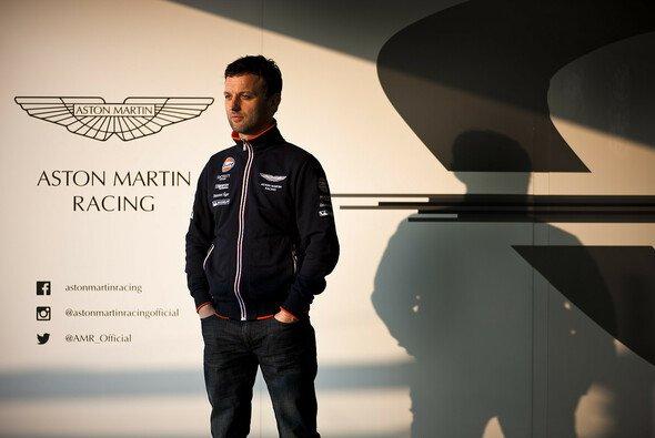 Ein Mann, eine Marke: Darren Turner bleibt Aston Martin treu - Foto: Aston Martin