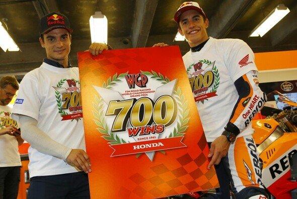 So feierten Pedrosa und Marquez in Indianapolis den 700. Sieg von Honda in der Motorrad-WM - Foto: Honda