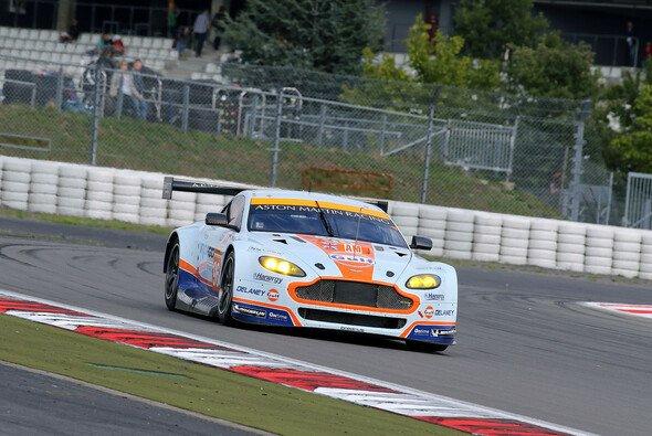 Simonsen im Aston Martin: Diese Kombination hat es seit über zwei Jahren nicht gegeben - Foto: Speedpictures